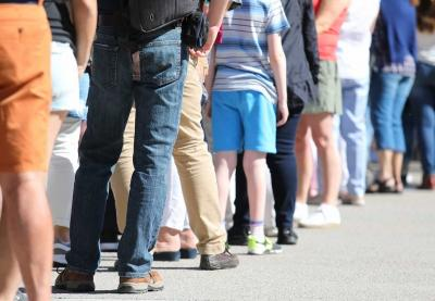 Estudo alerta que distância social mínima tem que ser de 4 metros | Covid-19