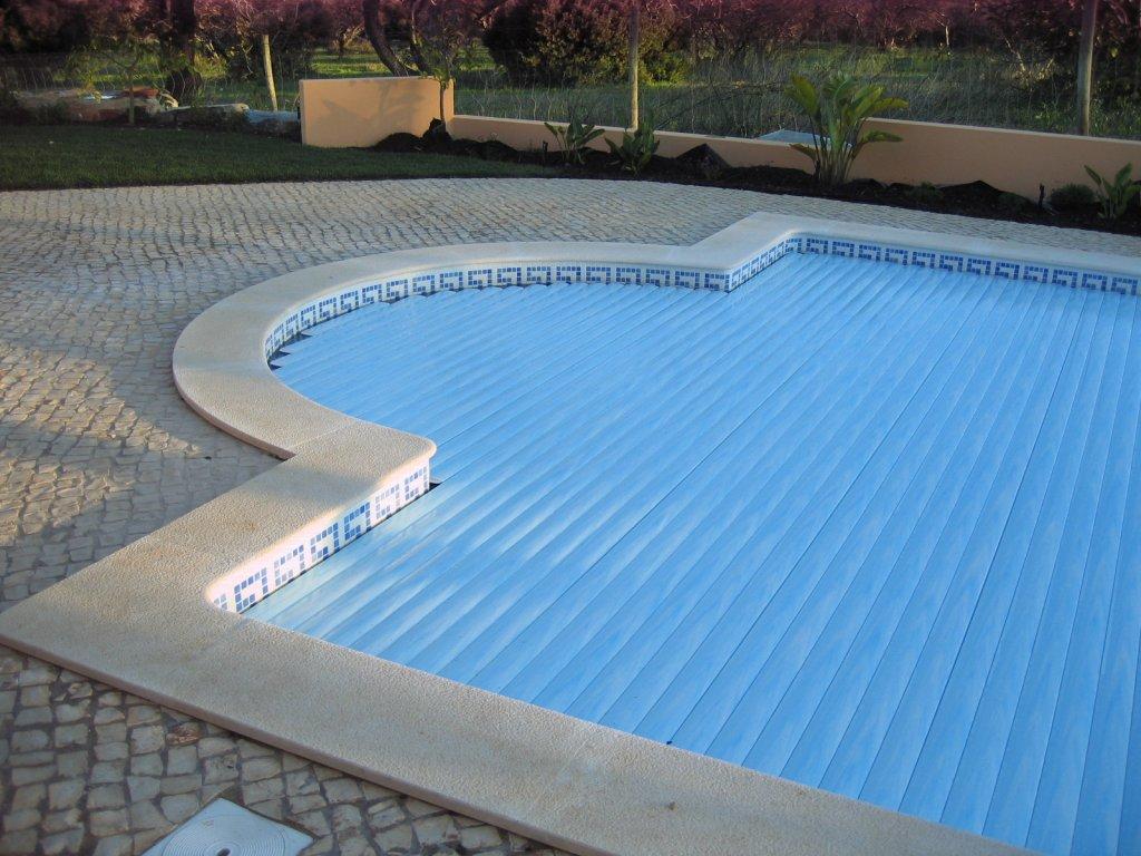 Sulpools com rcio de equipamentos para piscinas lagos for Piscinas empresas