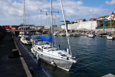 Porto e Marina das Lages