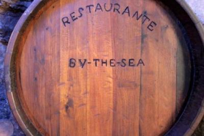 Restaurante By The Sea